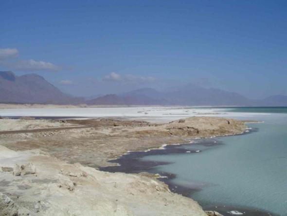Salziger als das Rote Meer - Assalsee in Afrika