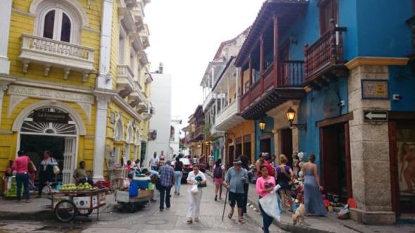 Die für Cartagena so charakteristischen Gebäude im Kolonialstil